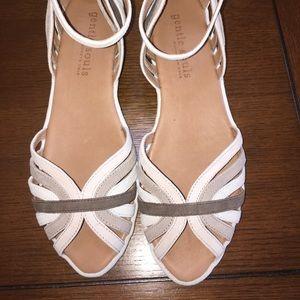 Gentle Souls LEATHER sandal size 9.5, comfortable!